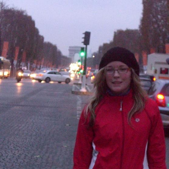 Hiver précoce aux Champs-Elysées avec Karine