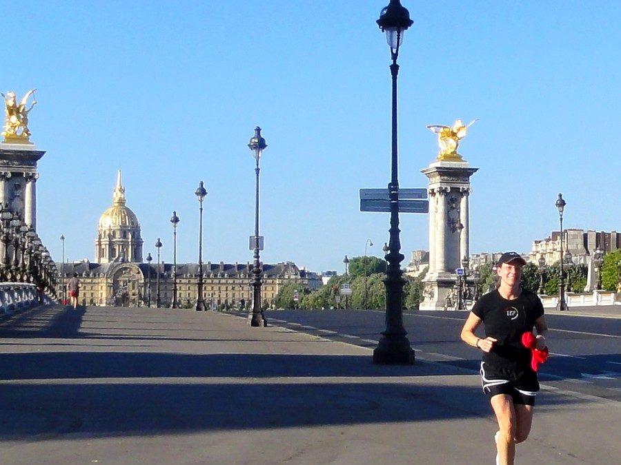 Sur le pont Alexandre III avec Jackie
