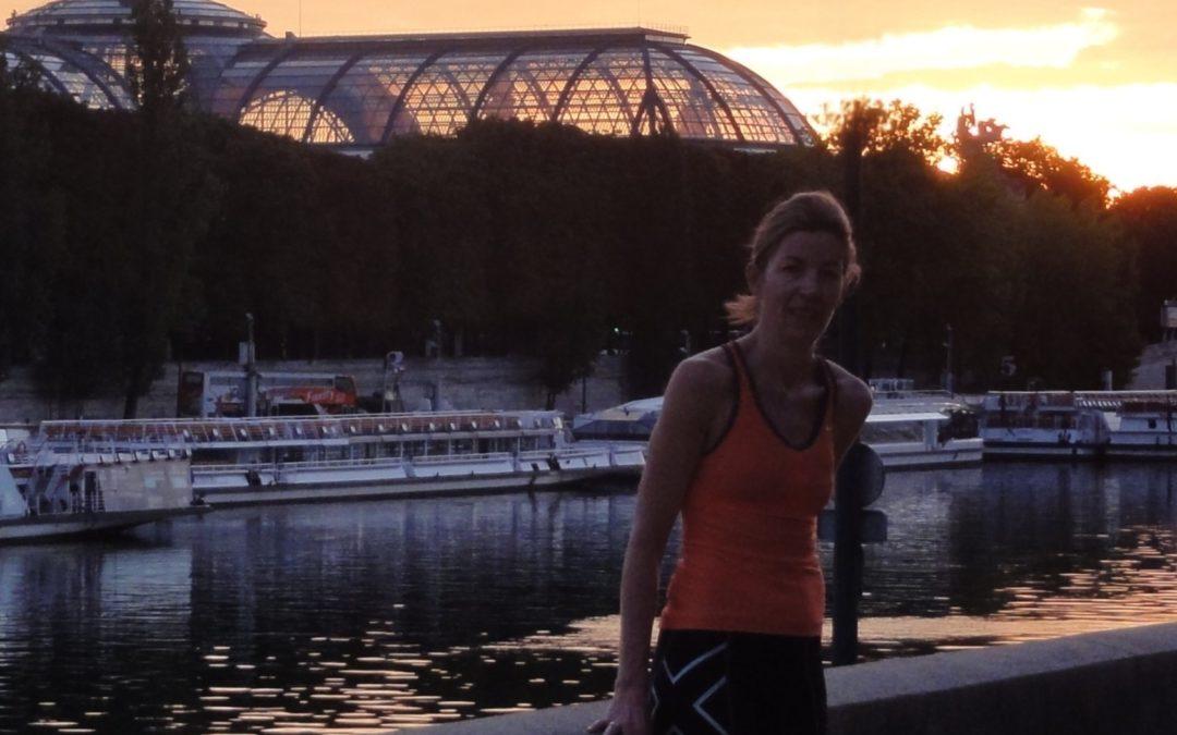 Courir à l'aube dans Paris avec Lou
