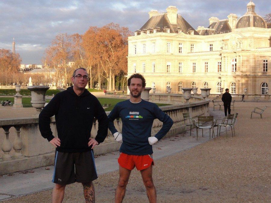 Devant le Sénat Français avec Daniel et Wils