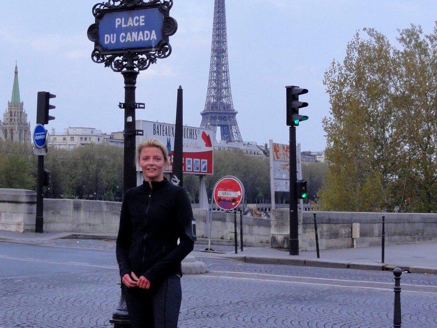 Marathon de Paris 2012, Kilomètre 1, avec Sarah