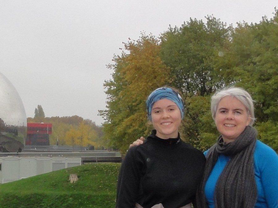 En courant avec Tove et Charlotte sur le canal de l'Ourcq