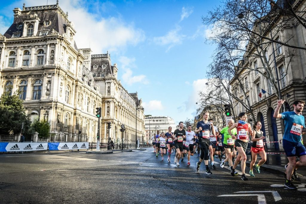 Paris Half Marathon 2019 - Passing next to the Hôtel de Ville