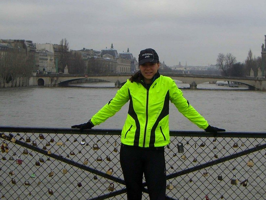 A little pause on the Pont des Arts during our long run