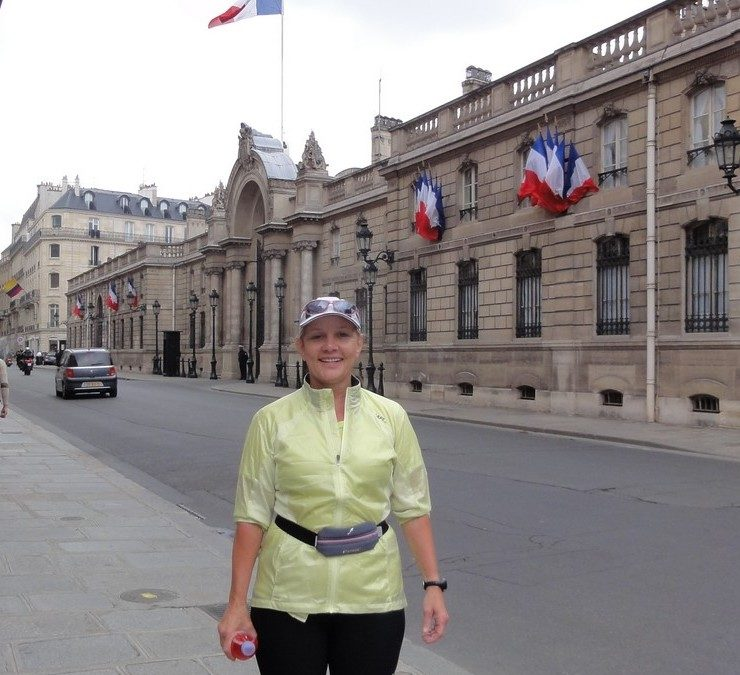 In front of the Elysee with Cindy