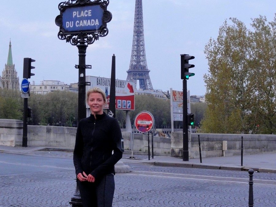 Paris Marathon 2012, Kilometer 1, with Sarah