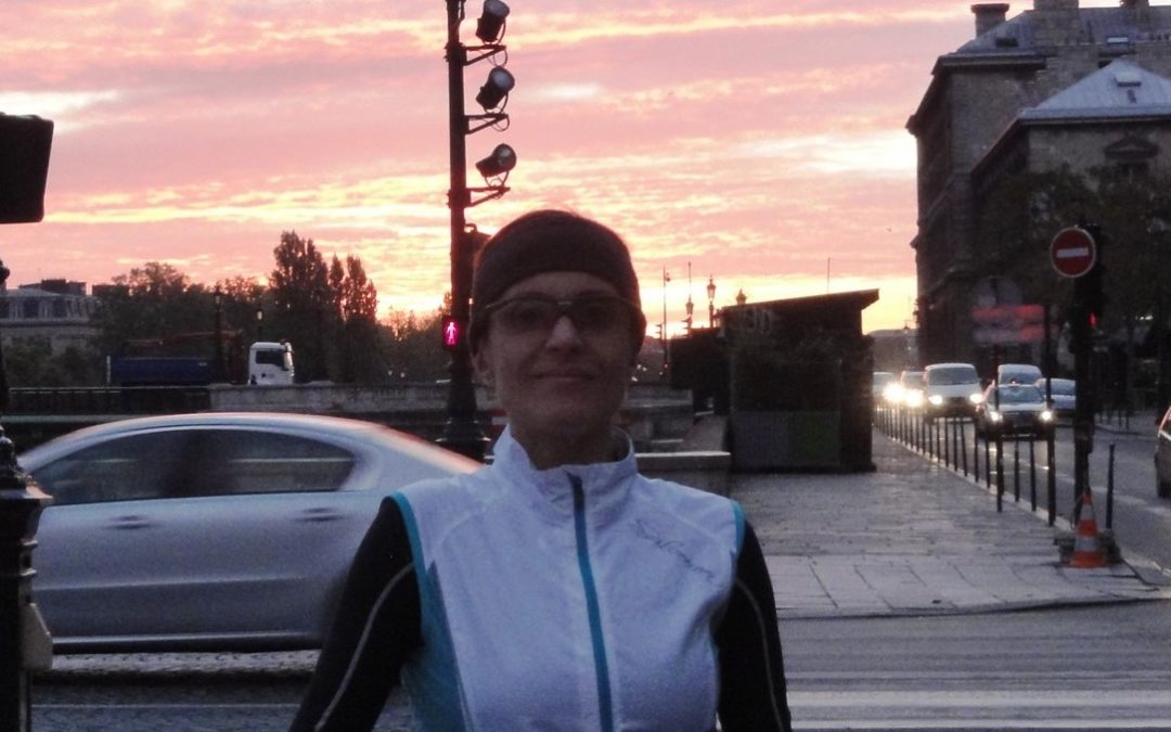 Running in Paris at the sunrise, with Denise