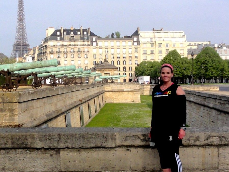 "With Sharon, in front of the canons of the ""Invalides"""