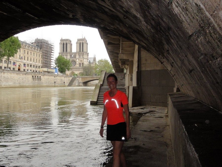 Running under the bridge Saint-Michel with Antje