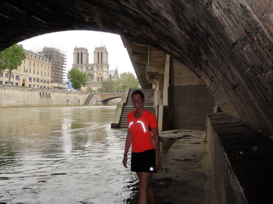 Running under the bridge Saint-Michel with Antje