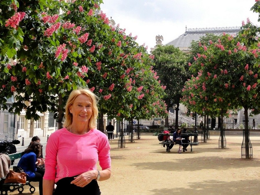 Chestnut trees in flowers, place Dauphine, with Lena