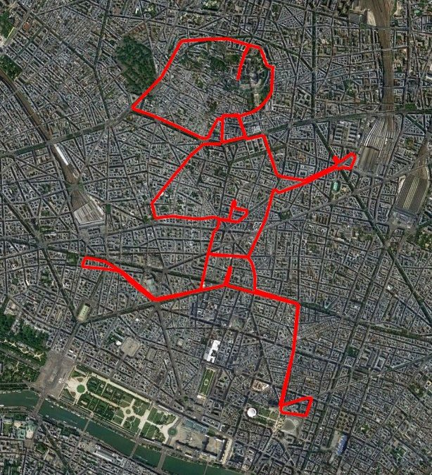 Follow this running Lady in Paris!